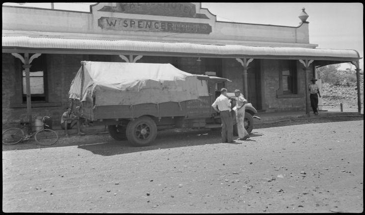 112798PD: Royal Mail Truck, Palace Hotel, Peak Hill, 1940 http://encore.slwa.wa.gov.au/iii/encore/record/C__Rb4398815?lang=eng