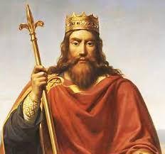 (08) 481 – Clodoveo, rey de los francos del año 481 al 511. La Galia se encuentra dividida bajo la autoridad de varios pueblos bárbaros, constantemente en guerra los unos contra los otros, buscando extender sus influencias y sus posesiones: Los francos, establecidos en el noreste, habían sido aliados del Imperio romano, controlando la frontera renana. Los burgundios establecidos por Roma en Saboya y en el Lyonesado.