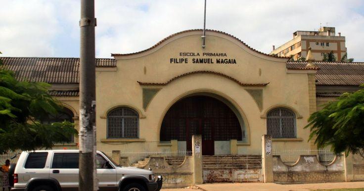 Edifícios de Maputo, antiga Lourenço Marques, Moçambique principalmente Art Deco e Modernistas e o desenvolvimento da cidade até 1975. A minha escola primária