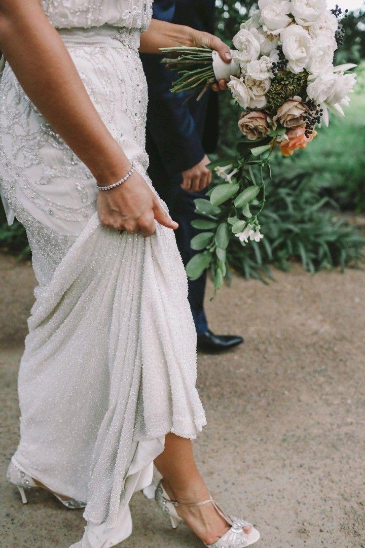 Jenny Packham wedding dress; featured photo: Lara Hotz Photography