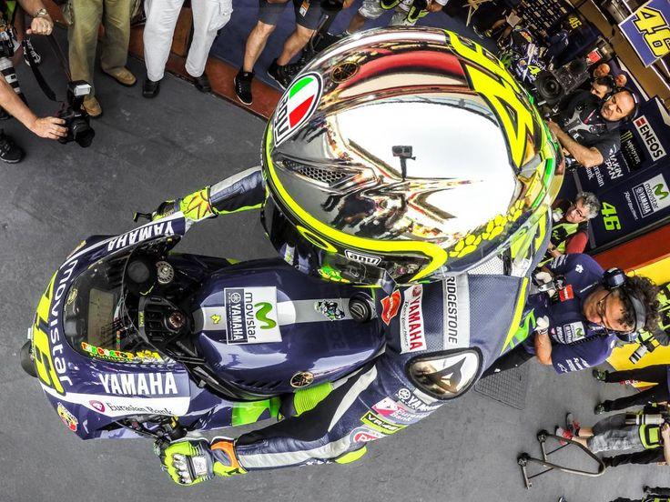 Rossi's Mugello 2015 helmet