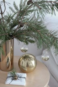 decordots:  christmas-mood-golden-details-hm-home-styling-anu-tammiste