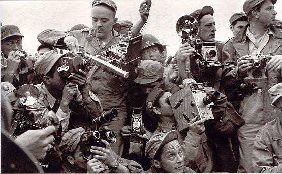 Werner Bischof, Vultures of the Battlefields, Kaesong, Korea, 1952