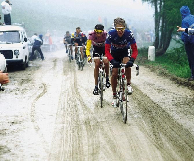 Andy Hampsten hits out on his epic ride on the Gavia in the 1988 Giro d'Italia wearing ski goggles