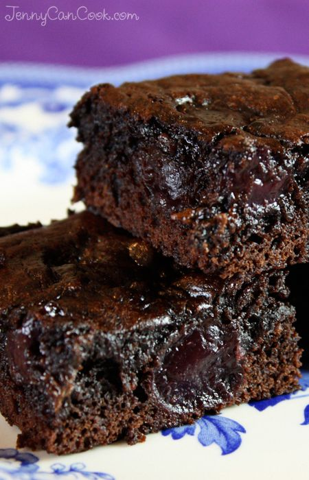 Black Forest Brownies recipe from Jenny Jones (JennyCanCook.com) - Dark, sweet, pitted cherries, chocolate chips, no butter, easy one-bowl recipe. WOW. #brownies