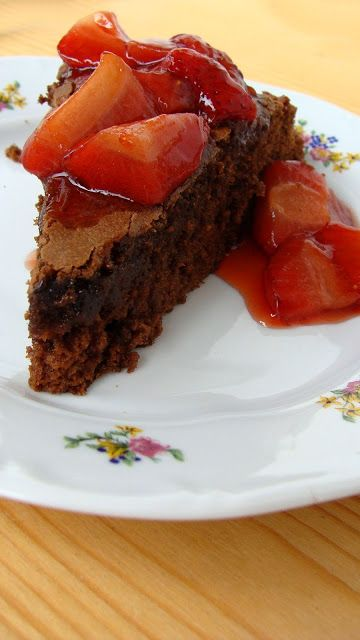 Earl Gray - Chocolate cake with strawberry