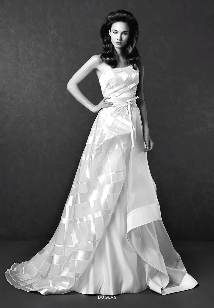 Collezione Signature 2015 - Elisabetta Polignano: Abito nuziale con strato di velo a quadretti #wedding #weddingdress #weddinggown #abitodasposa