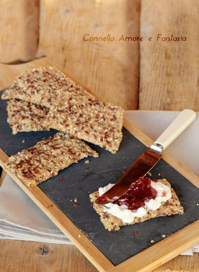 Crackers integrali con semi di lino ricetta