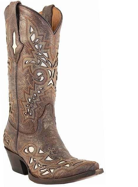 I better buy myself a nice pair of cowboy boots for @Cassee Davis Kiplinger's wayyyyyyyy future wedding
