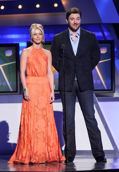 chris young country singer | Chris Young Singer Julianne Hough (L) and Chris Young speak onstage at ...