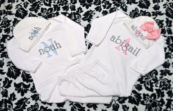 Personalized Twin Boy and Girl  Short or Long Sleeve Bodysuit / Gown and Matching Hat Laytte Set - Coming Home Outfit Newborn-12 months