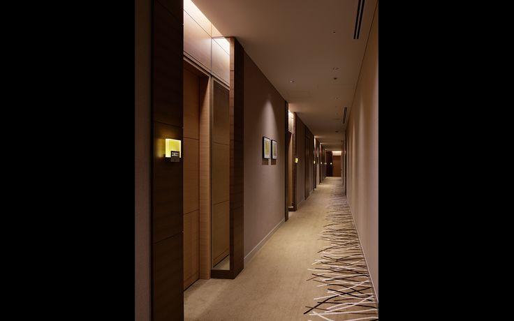 Hyatt guestroom corridor google search elevator lobby for Hotel corridor decor