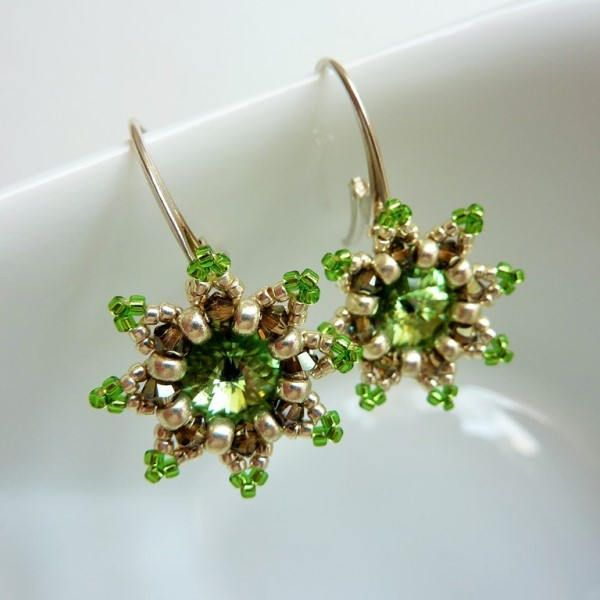 TUTORIAL in pdf, green flowers, English & Polish version, beading pattern for earrings, Toho beads, Svarowski cystals, instant download by SylartTreasures on Etsy