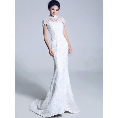 Stunning Love this Qipao styled wedding dress Would be perfect for a banquet recepton