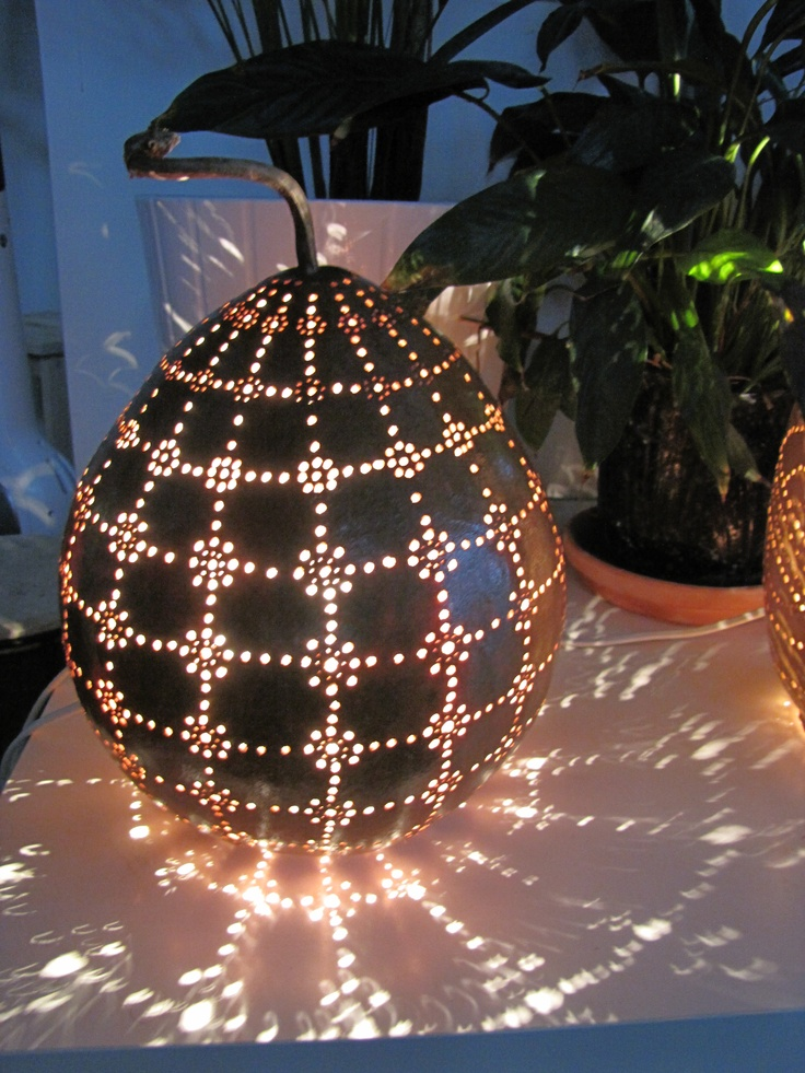 Grid gourd lamp