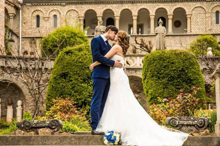 Kék-fehér esküvő