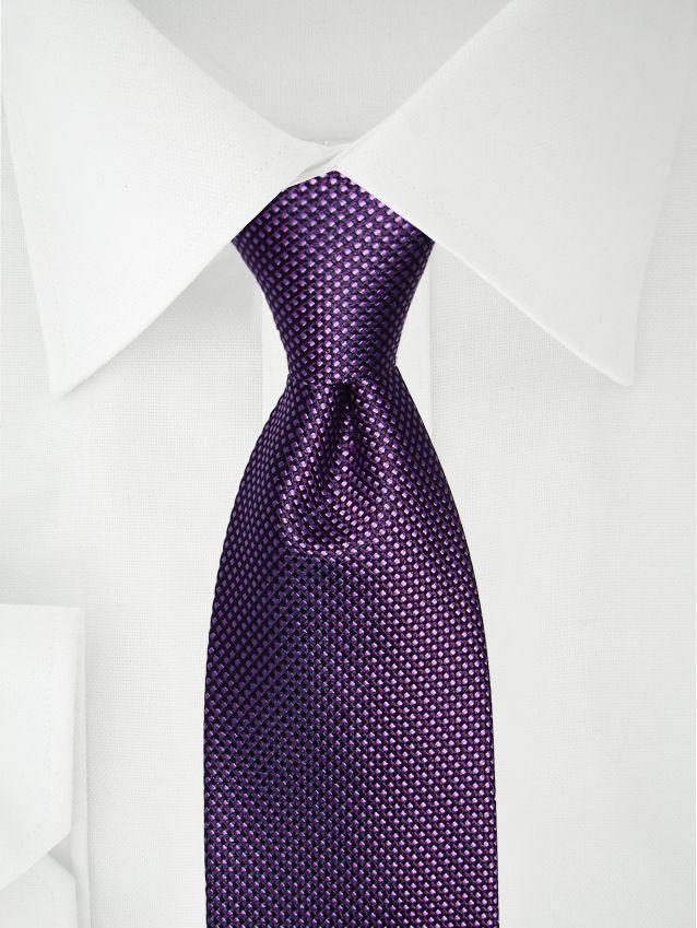 Cravate à deux tons violet foncé