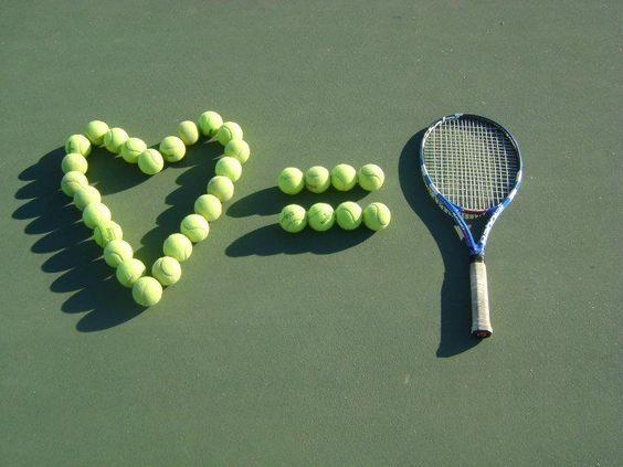 Me ecanta jugar tenis.