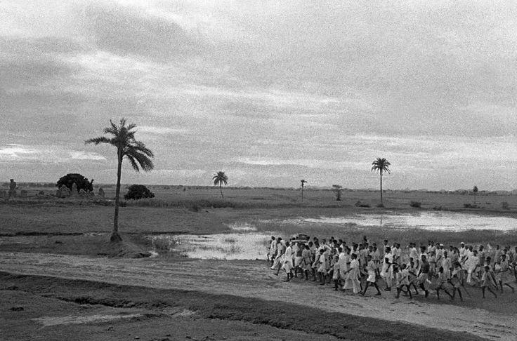 1953, Bihar, India, Vinoba Bhave and followers