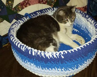 "Hand Made cat bed. Made with Polyester blanket yarn. 17"" Diameter."
