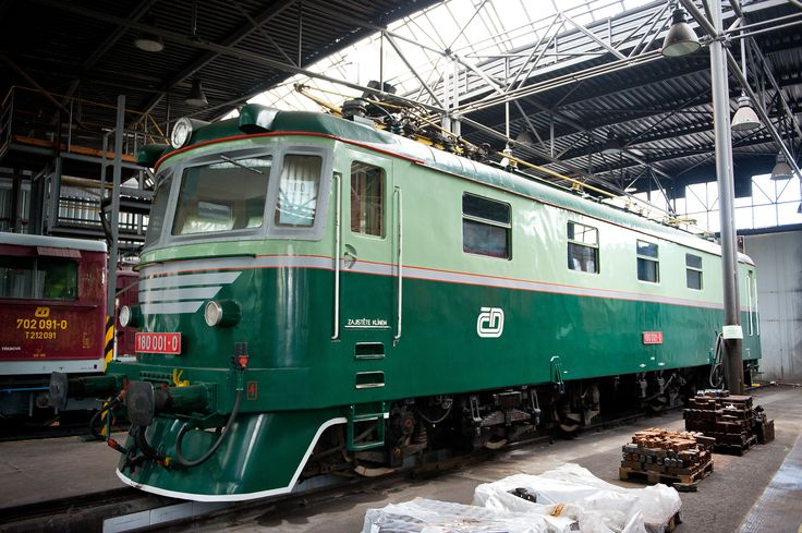 https://flic.kr/p/nHSi1d | Preserved E669.01 | CSD 180001 (formerly E669.01 a prototype for classes 181 (E669.1)  and 182 (E669.2)) is preserved at the Ceska Trebova Depot of Czech Railways (CD). It was built by Skoda in 1958, works number 3711. 17 May 2014. ML_20140517_0791br
