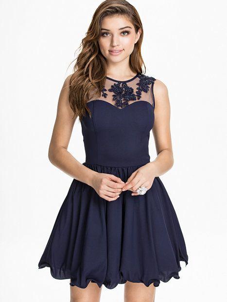 Becca Dress - Chi Chi London - Navy - Partykleider - Kleidung - Damen - Nelly.de Mode Online