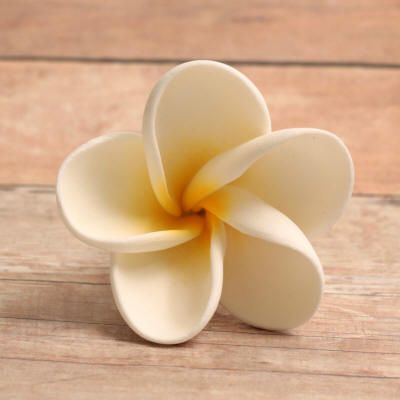 Open Gum Paste Plumeria with a Yellow Center...definitely wanna try these, so pretty1