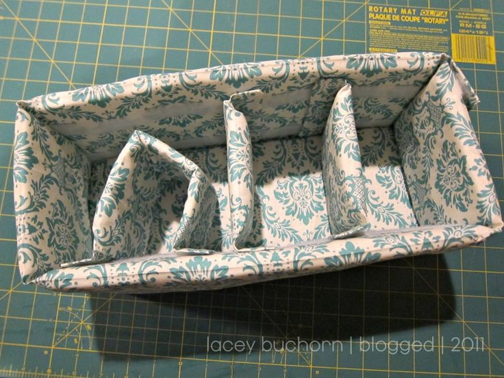 DIY Camera bag Insert - I love this one but need a sewing machine and to know how to use it first!
