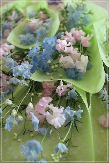 『【スタンド花】発表会に花束スタンド♪』 http://ameblo.jp/flower-note/entry-11805389855.html