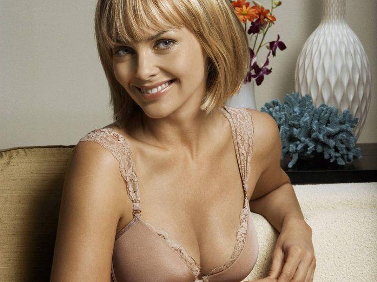 Izabella Scorupco nackt, Oben ohne Bilder, Playboy