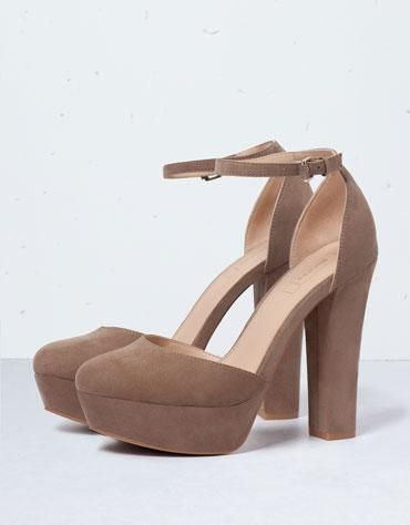 Sapato de salto alto pulseira Bershka - Calçados - Bershka Portugal #covetme