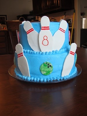 bowling birthday cakeBowls Birthday Cake, Bowls Parties, Cake Delivery, Brayden Bday, Diy Bowls Cake, Parties Cake, Cake Jman Birthday, Bowls Pin, Birthday Cakes