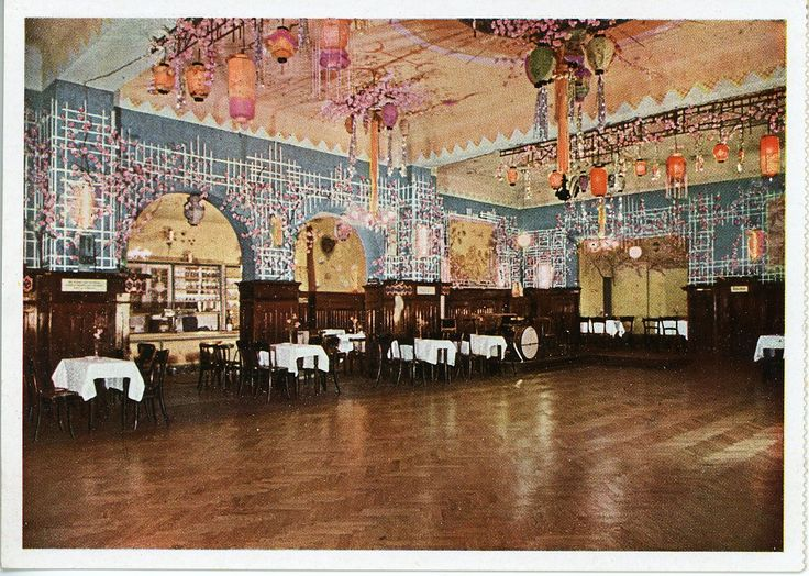 Berlin Germany Cl Rchens Ballhaus Is An Old Soviet Era Sepia Toned Dance Hall Waiters Wear