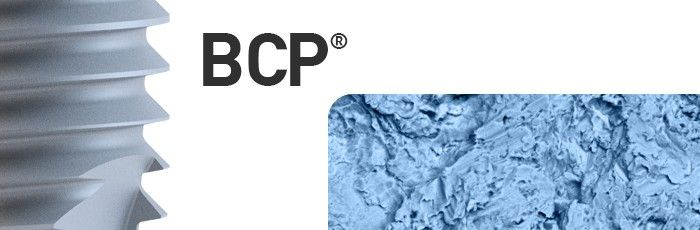 Solutia anthogyr: un proces complet controlat pentru o gama completa de produse, usor de folosit, care ofera optiuni pentru fiecare situatie clinica!  BCP® bioceramic  consta dintr-un amestec de hidroxiapatita (Ha) si ß-TCP (beta-fosfat tricalcic). acesta vine sub forma de particule abrazive. Micro sablarea suprafatei implantului cu particule de BCP® creeaza o suprafata aspra, biocompatibila, apoi, implantul este supus unui tratament cu acid slab, clatit si uscat.
