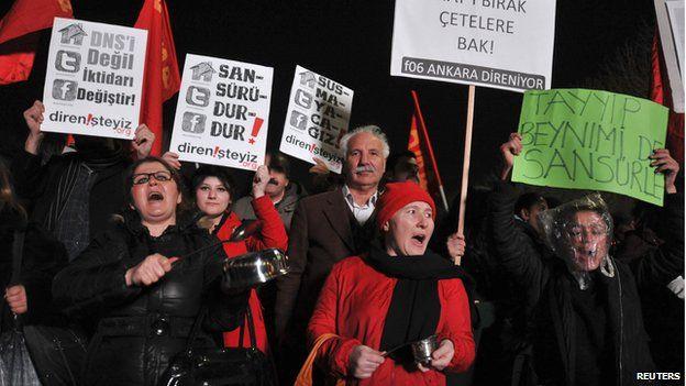 Turquía, 2014. Protestando contra a censura de Internet.