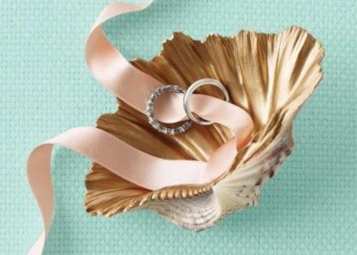 リゾートウェディングにぴったり♡貝殻を使ったリングピローをあつめましたのトップ画像