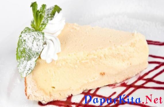 Bahan-bahan: 125 gram biskuit 50 gram mentega 300 gram cream cheese 35 gram gula halus 1/8 sdt vanili 150 gram sour cream Cara membuat: 1. Hancurkan biskuit dengan menggunakan blender atau rolling pin. 2. Cairkan mentega kemud