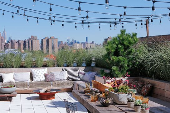 Is This The Dreamiest NYC Rooftop? #refinery29  http://www.refinery29.com/eye-swoon/40#slide11