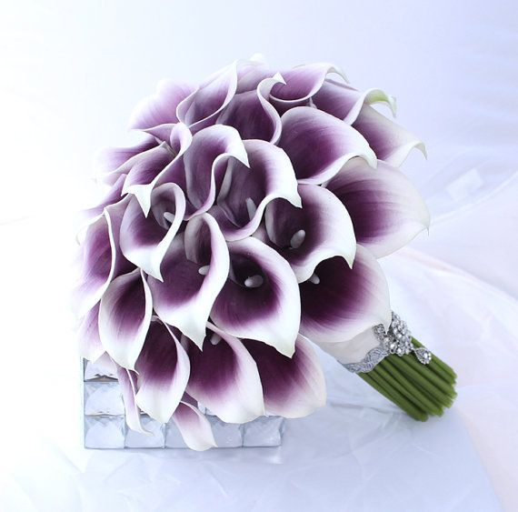 Very elegant purple wedding bridal calla lily bouquet. These real touch mini Picasso calla lilies flowers are very high quality and have excellent
