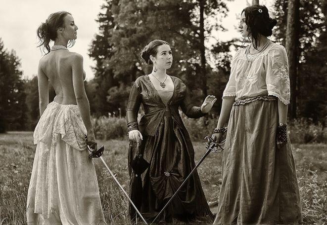 Fashion Phtography Girls Duel