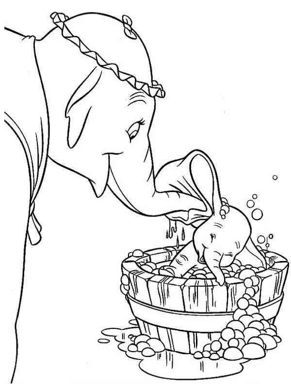 Mrs Dumbo Take Dumbo The Elephant To Bath Coloring Pages