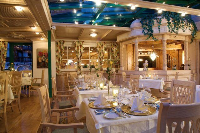 http://www.neuhaus.co.at/spa-hotel-saalbach-hinterglemm.en.htm Culinary delights in the 4-star hotel Neuhaus