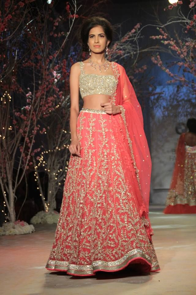 jyothsna-tiwari-india-bridal-fashion-week-021.jpg (640×960)