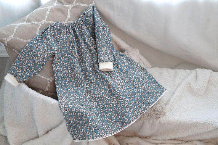 Vanskelighetsgrad: Enkel Mønster til kjolen finnes HER Når du har tegnet mønsteret kan det være...