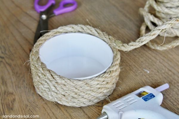 Making sisal rope candle holders