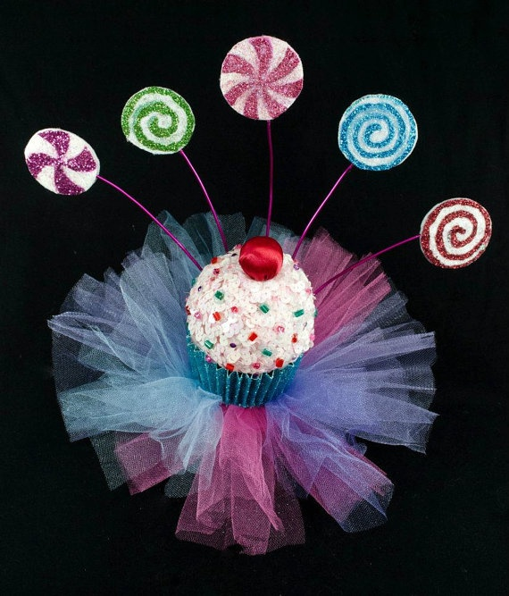 Lolita Cupcake Hat W/ Lollipops & Sprinkles- I could easily make this, or something similar for my costume!