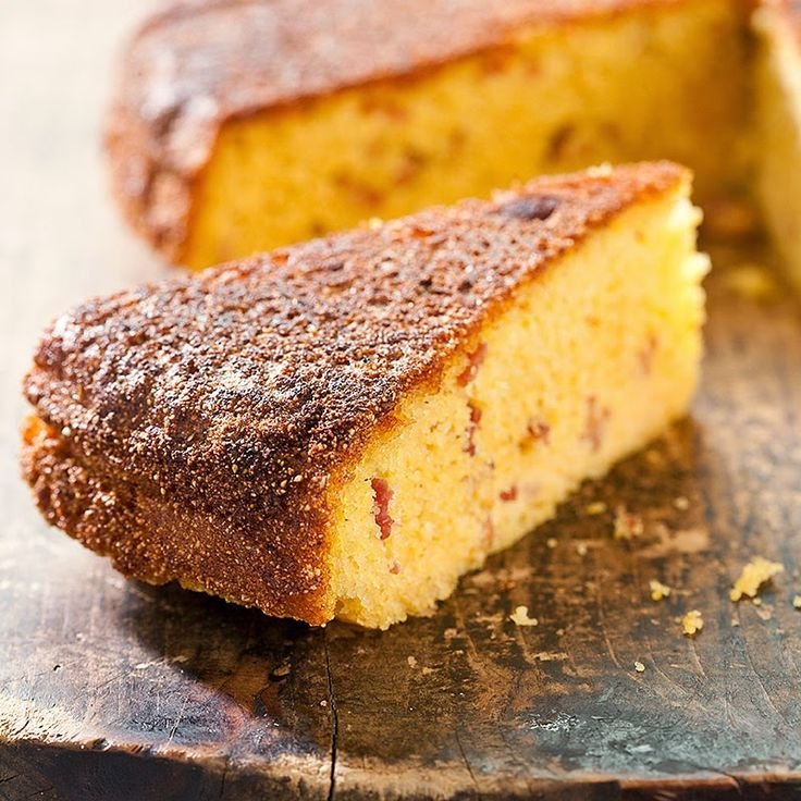 Old Fashioned Southern Cornbread With Cracklin