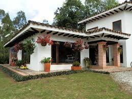 Resultado de imagen para fachadas de casas coloniales