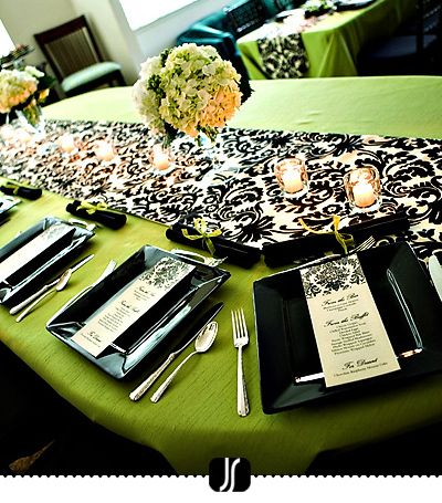 Green & Black Table: Decor, Damasks, Tables Sets, Black And White, Bridal Shower Ideas, Black White, Colors Schemes, Tables Runners, Green Wedding