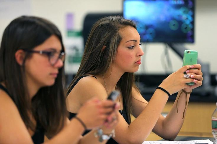 Schools seek balance for cellphones in class  Are they a teaching tool or a distraction?